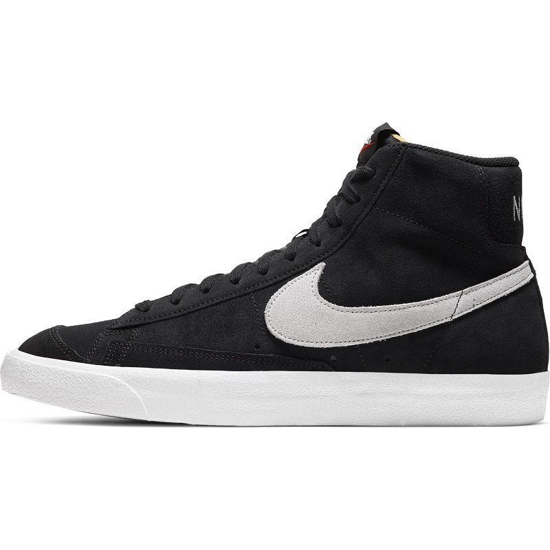 <img class='new_mark_img1' src='https://img.shop-pro.jp/img/new/icons8.gif' style='border:none;display:inline;margin:0px;padding:0px;width:auto;' /> [NIKE] ナイキ BLAZER MID '77 SUEDE  CI1172- 002