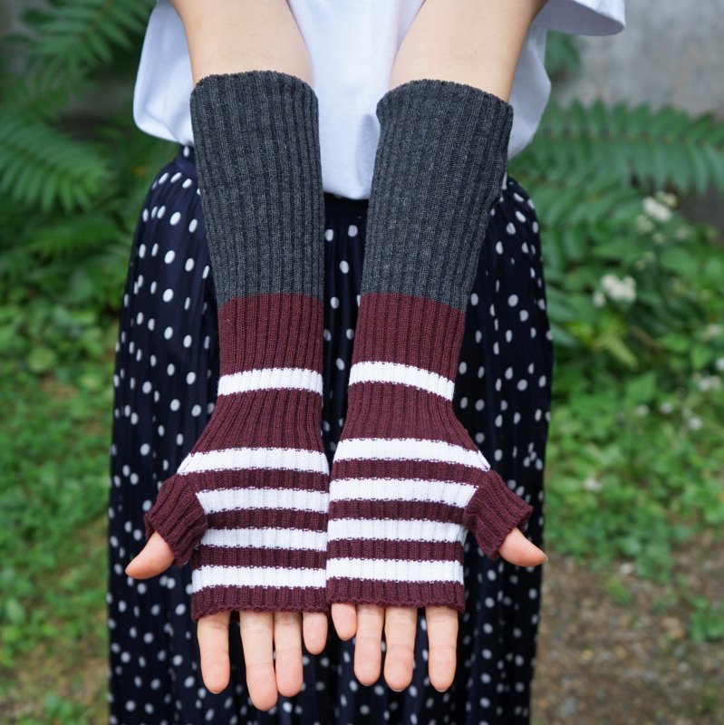 <img class='new_mark_img1' src='https://img.shop-pro.jp/img/new/icons6.gif' style='border:none;display:inline;margin:0px;padding:0px;width:auto;' />[PLAN C] プランシー LONG KNIT GLOVES FINGERLESS(RED/GRY/WHT)