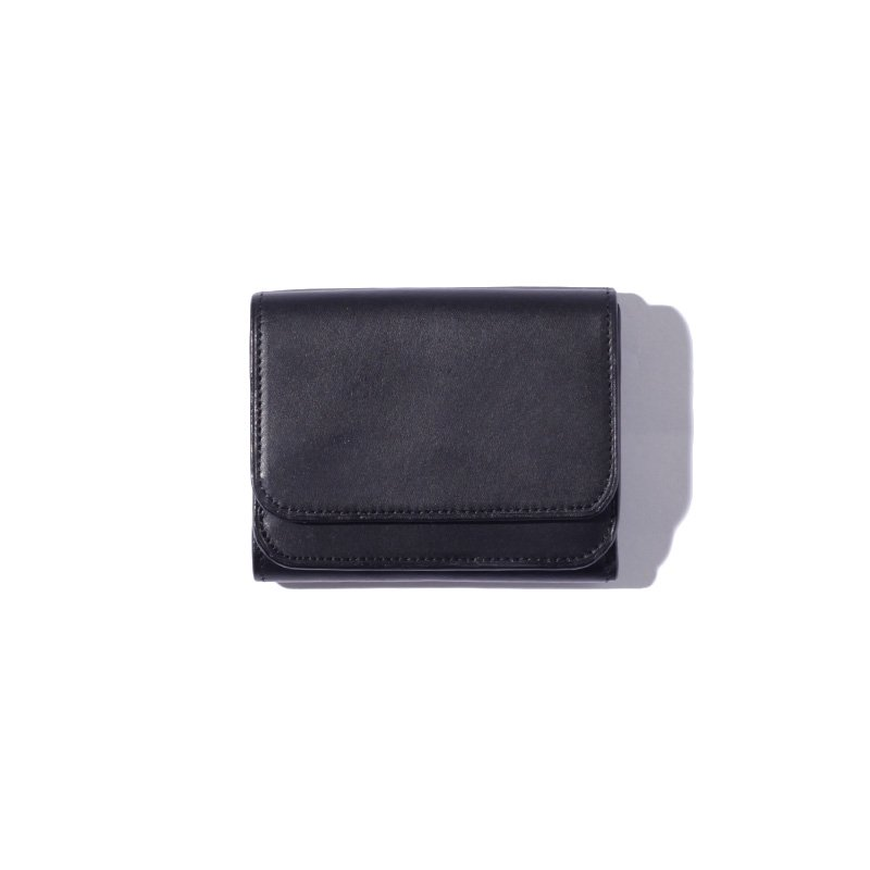 <img class='new_mark_img1' src='https://img.shop-pro.jp/img/new/icons8.gif' style='border:none;display:inline;margin:0px;padding:0px;width:auto;' />[MY] マイTOMO NARIAI TRIFOLD WALLET (BLACK・BEIGE) 203-61901