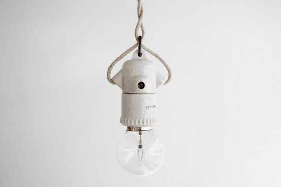 PORCELAIN LAMP-A