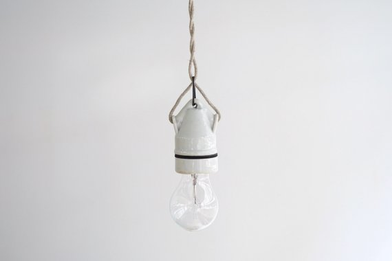 PORCELAIN LAMP-C