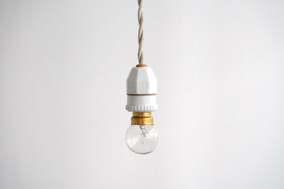 PORCELAIN LAMP-F
