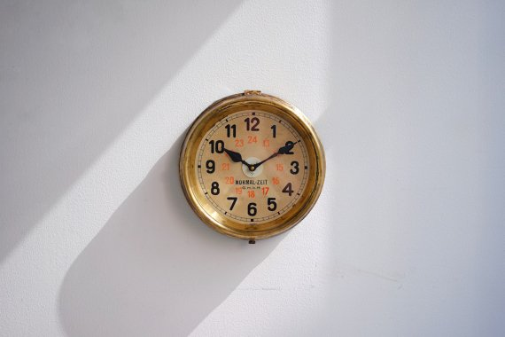 NORMAL-ZEIT CLOCK