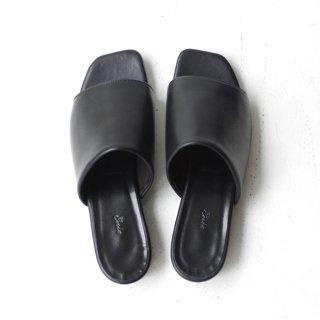 Ense×DELMONACO sandal -black-