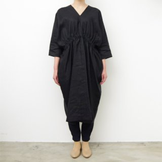<img class='new_mark_img1' src='https://img.shop-pro.jp/img/new/icons1.gif' style='border:none;display:inline;margin:0px;padding:0px;width:auto;' />SI-HIRAI 「 LINEN RECTANGLE DRESS - black - 」