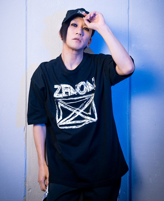 graphic tee WHITE