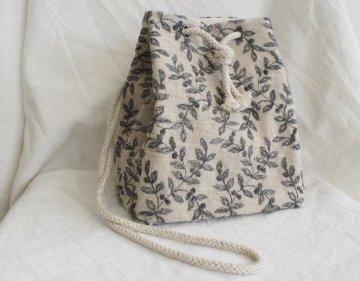 巾着バッグ(ボタニカル刺繍柄)
