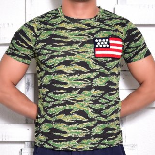 MR.HUGE WAPPEN ON CAMOUFLAGE  T-SHIRTS(ワッペン オン 迷彩 Tシャツ)グリーン