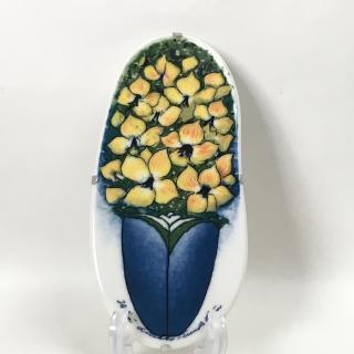 ヘルヤ リウッコ スンドストロム ウォールプレート 黄色の花