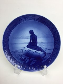ROYAL COPENHAGEN 1962 Christmas Plate  THE LITTLE MERMAID AT WINTERTIME