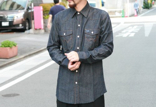 <img class='new_mark_img1' src='//img.shop-pro.jp/img/new/icons41.gif' style='border:none;display:inline;margin:0px;padding:0px;width:auto;' />【50%OFF】〈soe shirts〉×WRANGLER  A RANCHER SHIRT 8oz DENIM NOT WASHED