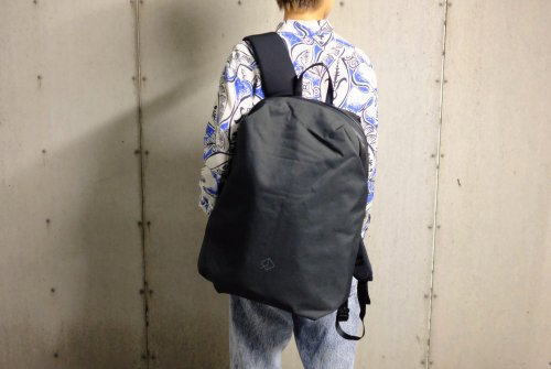 〈WEXLEY〉URBAN BACKPACK BLACK