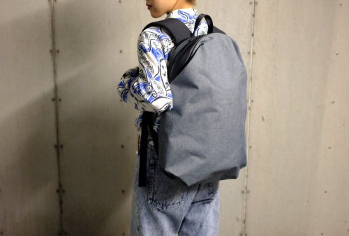 〈WEXLEY〉URBAN BACKPACK GRAY.