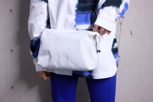 〈ED ROBERT JUDSON〉PAWL SHOULDER BAG