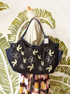 TM-DMBB 鳥と花(黒)大きいバッグ