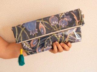 インドコットン大花(紺)3種 防滴ポーチ(大)肩掛け紐付き