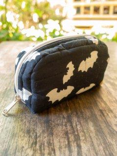 バティックコウモリ(ブラック)普段使いに便利なサイズのポーチ(小)