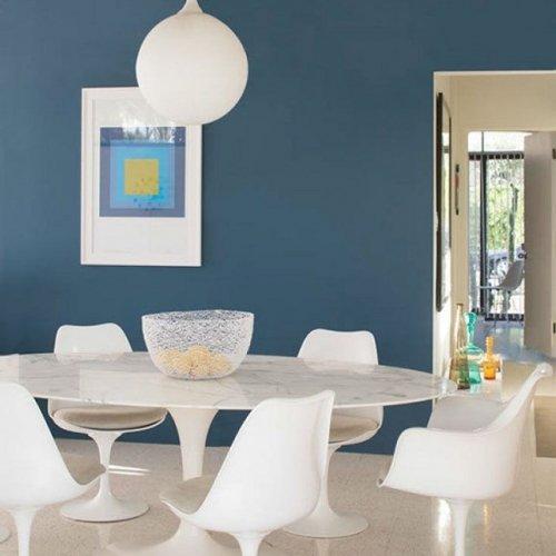 ベンジャミンムーア オーラ   壁の色は 2062-30 Blue Danube