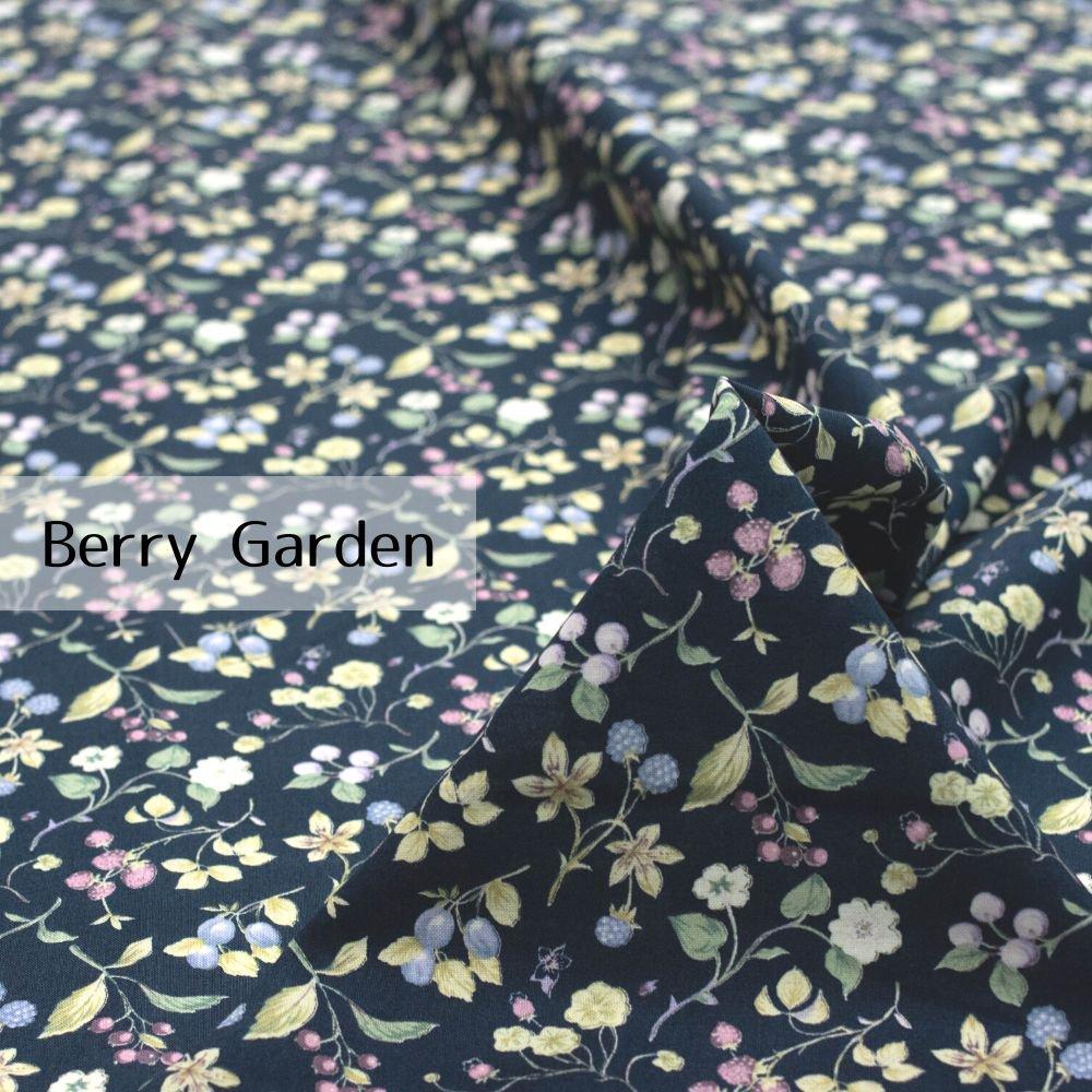 【new color】【cotton】Berry Garden|コットンスケア|ベリー柄|イチゴ|ネイビー×スモークパープル|