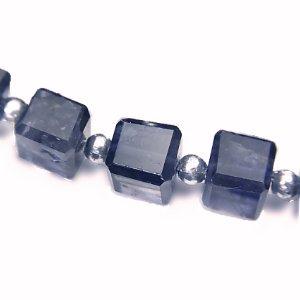 《宝石質》 アイオライト (AAA-) キューブカット6-7X6-7mm 【1個】 《人間関係の不和を解消する石》