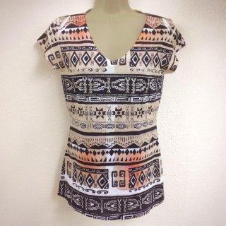 ≪前払いのみ・ネコポス発送可≫ LAインポート Made in USA 幾何学模様 ネイティブ柄 オルテガ柄 半袖Tシャツ