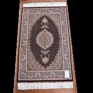 ペルシャ絨毯 タブリーズ産 約130x83cm