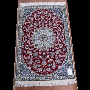 ペルシャ絨毯 ナイン産 約135x88cm