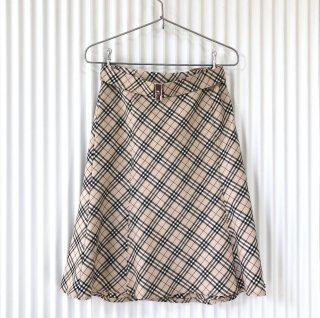 BURBERRY BLUE LABEL ベルト付スカート