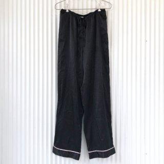 サテンパンツ /ブラック×淡ピンクライン
