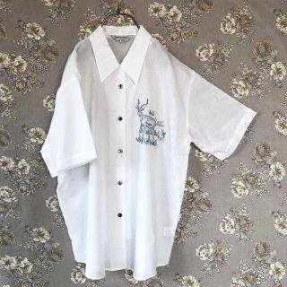 オオカモシカ刺繍シャツ