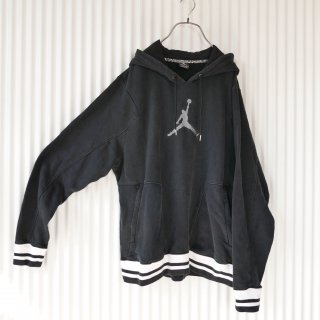 Michael Jordan刺繍モノトーンスウェットフーディ