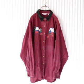 雪の積もったおうちとツリー刺繍 ベロア襟シャツ