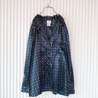 ベロアパイピング×総柄 サテンパジャマシャツ