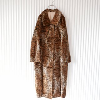 <img class='new_mark_img1' src='https://img.shop-pro.jp/img/new/icons13.gif' style='border:none;display:inline;margin:0px;padding:0px;width:auto;' />Leopard antique fake fur coat