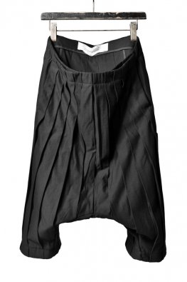 individual sentiments pleat sarrouel pants / bkack