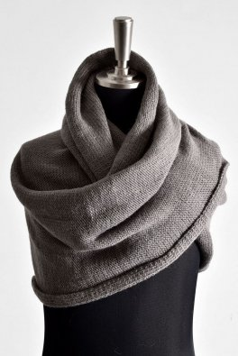 <img class='new_mark_img1' src='https://img.shop-pro.jp/img/new/icons8.gif' style='border:none;display:inline;margin:0px;padding:0px;width:auto;' />First Aid To The Injured  Soleus Knit Snood / Nickle