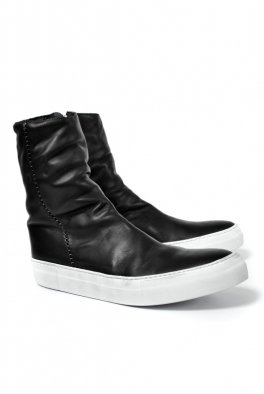 <img class='new_mark_img1' src='//img.shop-pro.jp/img/new/icons8.gif' style='border:none;display:inline;margin:0px;padding:0px;width:auto;' />linea_f by incarnation HORSE LEATHER SIDE ZIP SNEAKER