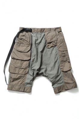 <img class='new_mark_img1' src='//img.shop-pro.jp/img/new/icons8.gif' style='border:none;display:inline;margin:0px;padding:0px;width:auto;' />The Viridi-anne Gather Tactical Shorts