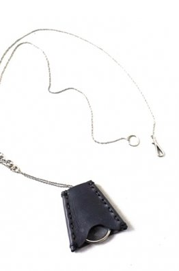 <img class='new_mark_img1' src='https://img.shop-pro.jp/img/new/icons8.gif' style='border:none;display:inline;margin:0px;padding:0px;width:auto;' />DEVOA Loupe necklace Silver