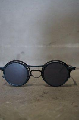 <img class='new_mark_img1' src='https://img.shop-pro.jp/img/new/icons8.gif' style='border:none;display:inline;margin:0px;padding:0px;width:auto;' />The Viridi-anne×REGARDS Sunglasses  BLACK /MIRR