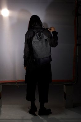 <img class='new_mark_img1' src='https://img.shop-pro.jp/img/new/icons8.gif' style='border:none;display:inline;margin:0px;padding:0px;width:auto;' />DEVOA  Backpack Fabrik & GUIDI calf leather