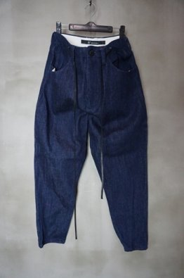 <img class='new_mark_img1' src='https://img.shop-pro.jp/img/new/icons8.gif' style='border:none;display:inline;margin:0px;padding:0px;width:auto;' />A.F ARTEFACT Denim Pants
