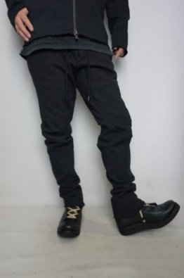 <img class='new_mark_img1' src='https://img.shop-pro.jp/img/new/icons8.gif' style='border:none;display:inline;margin:0px;padding:0px;width:auto;' />DEVOA Anatomical pants