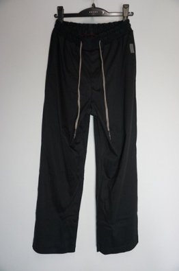 <img class='new_mark_img1' src='https://img.shop-pro.jp/img/new/icons8.gif' style='border:none;display:inline;margin:0px;padding:0px;width:auto;' />H.R 6 Classic Baggy pants for men's