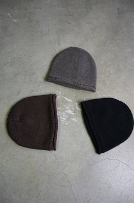 <img class='new_mark_img1' src='https://img.shop-pro.jp/img/new/icons8.gif' style='border:none;display:inline;margin:0px;padding:0px;width:auto;' />DEVOA  knit cap Hand made cotton