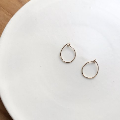 Pale gold hoop pierce (size S)