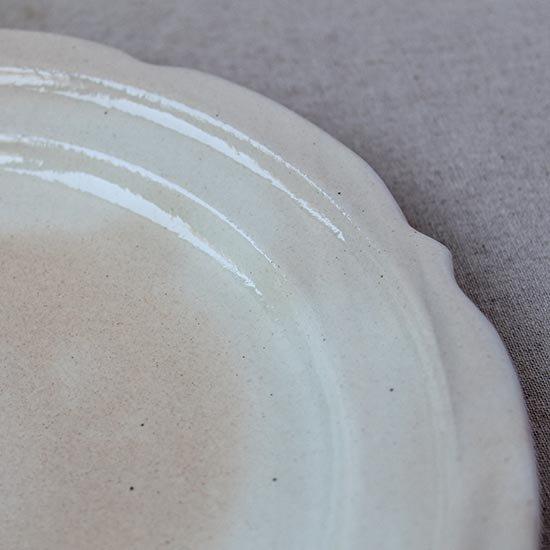 彫刻皿8寸 鉄散 / 古谷製陶所