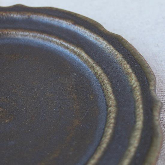 彫刻皿6寸 サビ釉 / 古谷製陶所