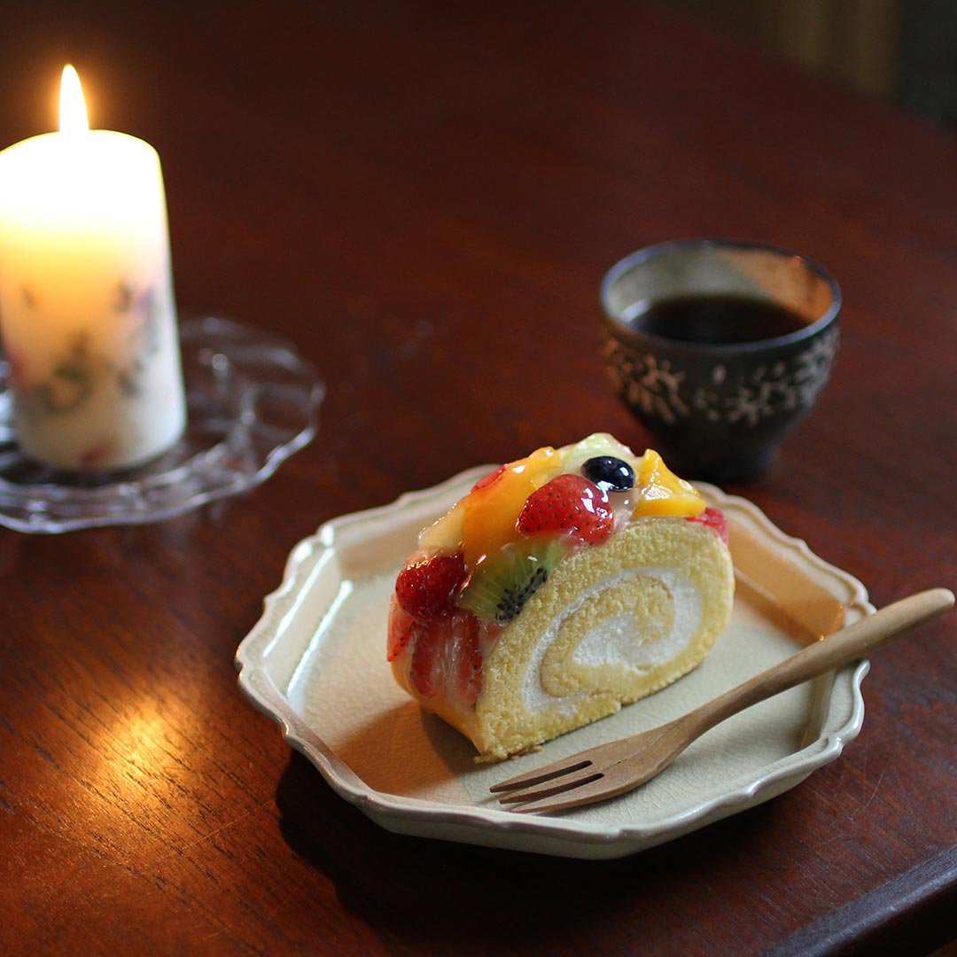 灰釉八角輪花皿 / 渡辺信史