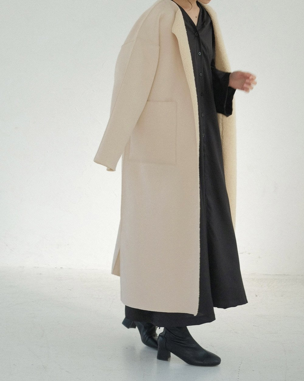 (11.24 21:00 ON SALE ) REVERSIBLE MOUTON BOA COAT